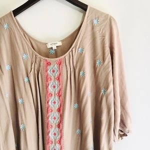 • cute umgee boho embroidered flowy blouse/tunic •